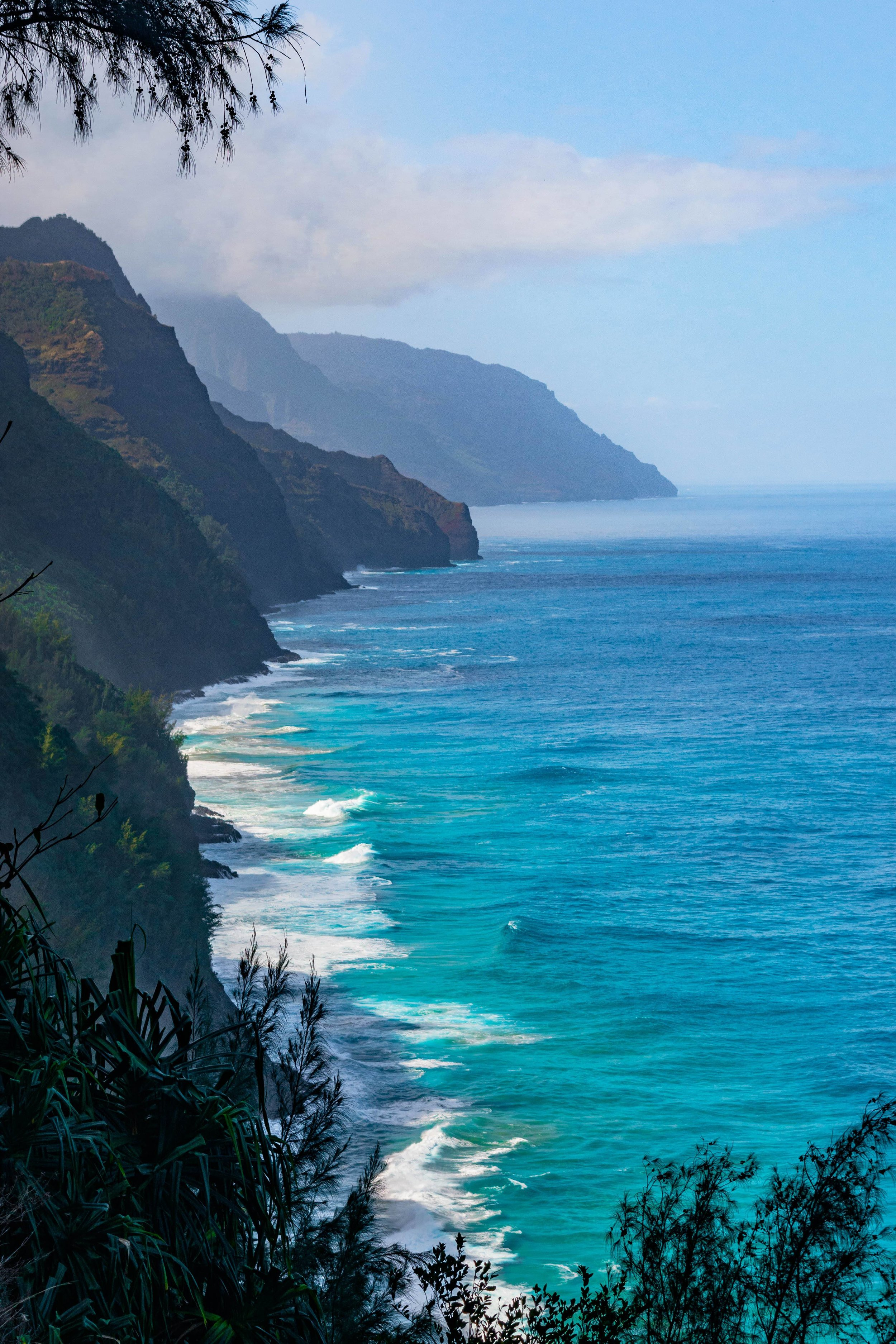 Kalalau_trail_Kauai_Hawaii.jpg