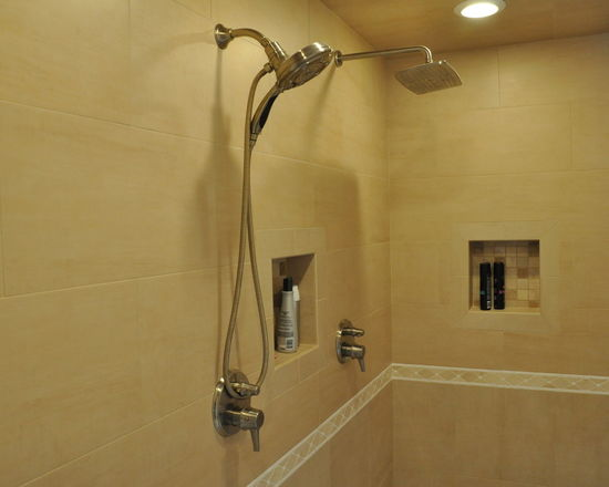 8891658a02df4200_4317-w550-h440-b0-p0-q80--transitional-bathroom.jpg