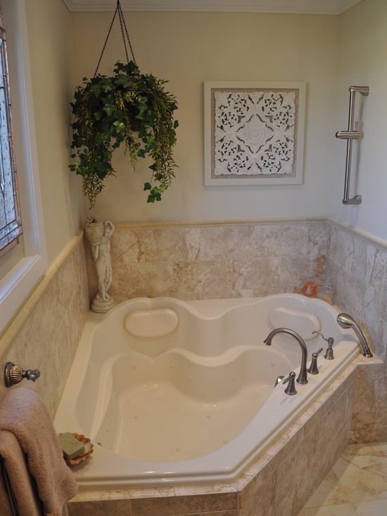 57b186b702df3506_4352-w550-h734-b0-p0-q80--transitional-bathroom.jpg