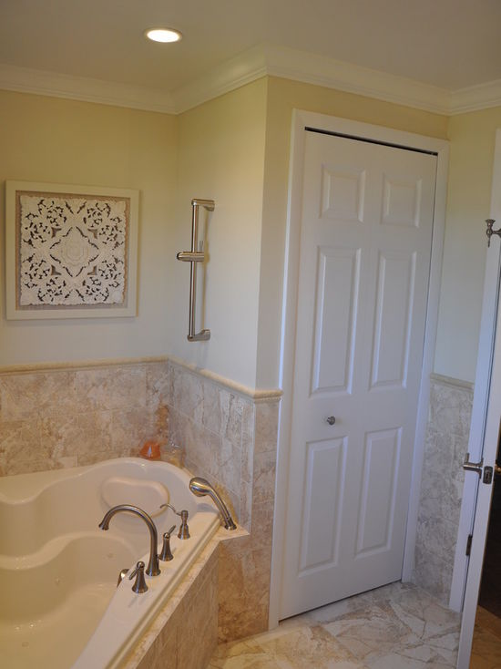 6831549a02df3514_4351-w550-h734-b0-p0-q80--transitional-bathroom.jpg