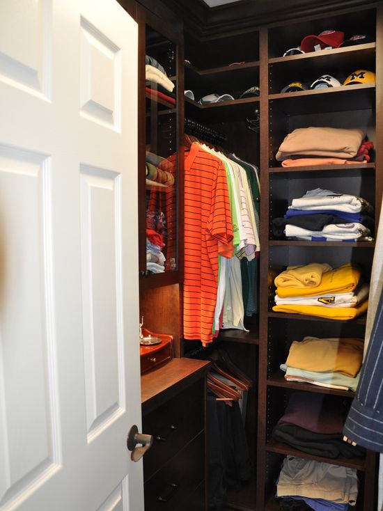 71a1a8f601533d8a_0959-w550-h734-b0-p0-q80--traditional-closet.jpg
