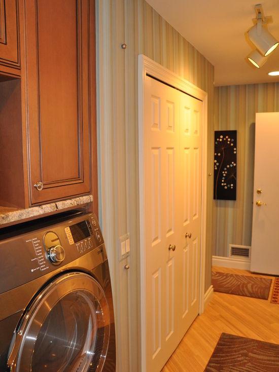 5df197ae01534688_2048-w550-h734-b0-p0-q80--traditional-laundry-room.jpg