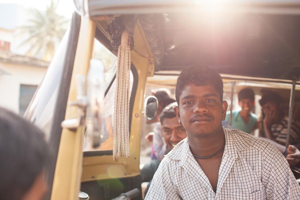 rickshaw driver india