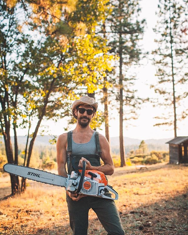 It's been a while since I made a post, so why not post a sexy photo of me with a chainsaw? I posted this photo on Facebook to get some attention and help for some upcoming land/building projects. I feel honored and humbled to be tending to a new home and land. So many big prayers and hopes for what it's to become ♥️