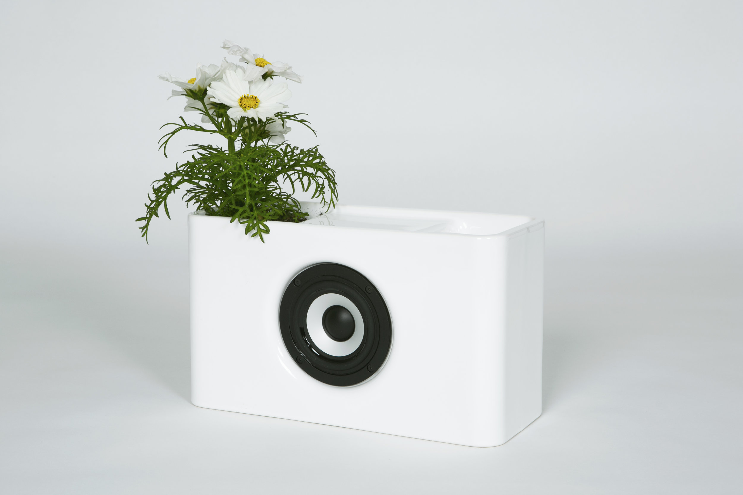 Josiah: ceramic bluetooth speakers with touch interface.