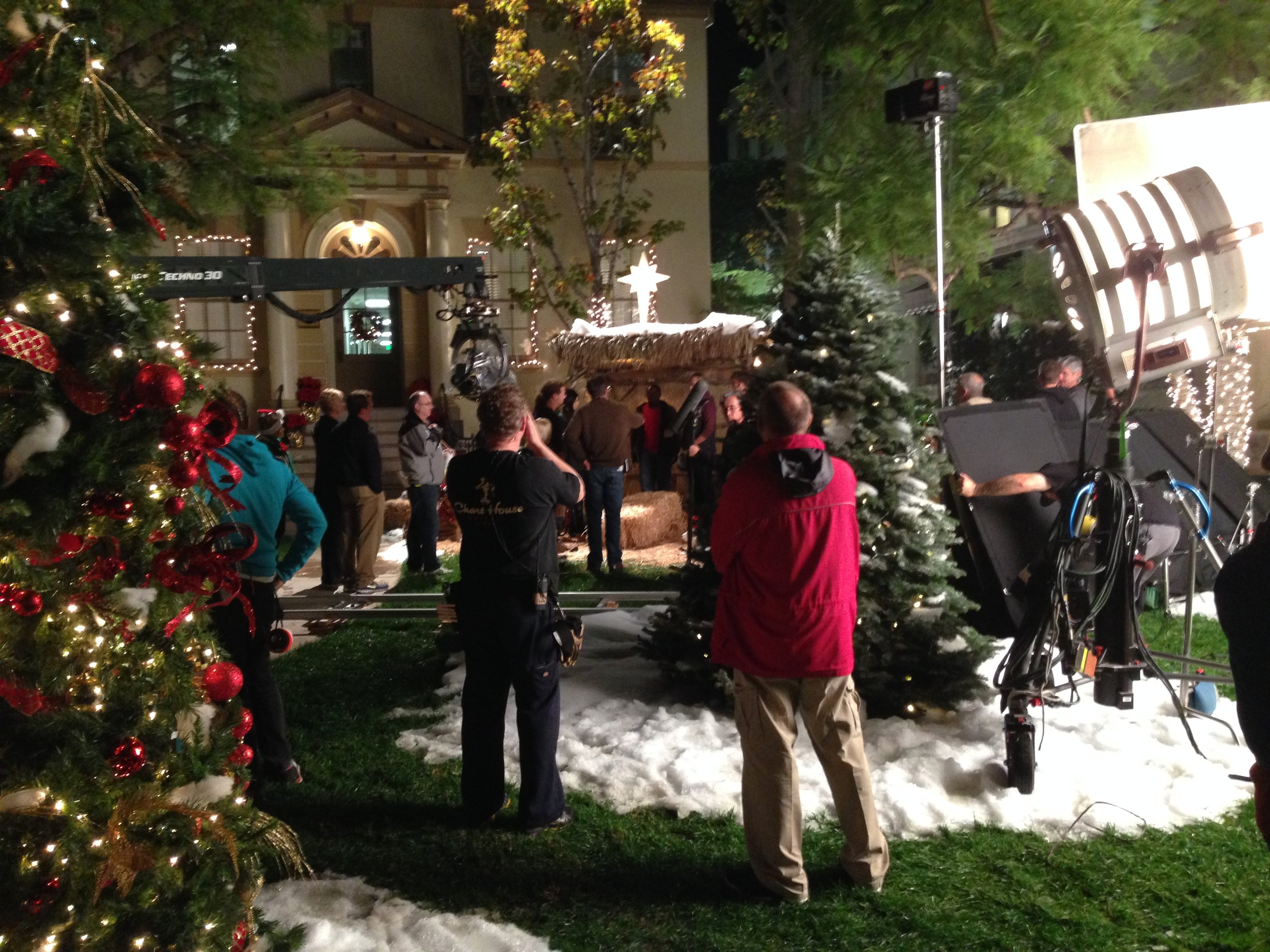 GLEE CREW FILMING CHRISTMAS EPISODE ON PARAMOUNT LOT