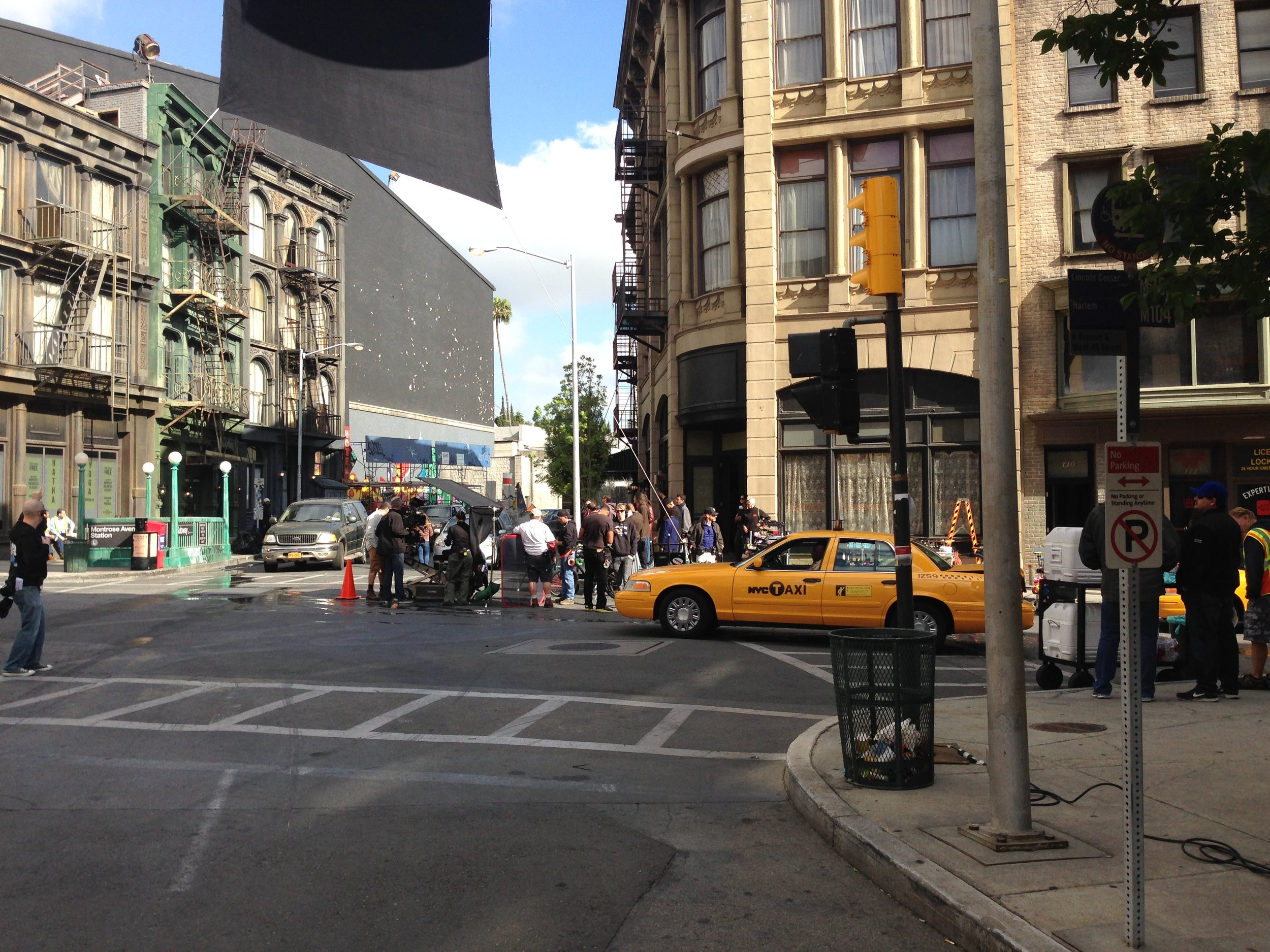 GLEE CREW FILMING ON THE PARAMOUNT STUDIOS' NEW YORK STREET