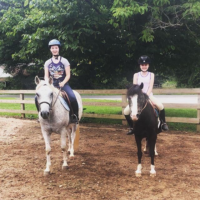 Summer fun! • • • • • #stratfordequestrianfarm #welcometoourhouse #family #barnfamily #ridingbuddies #ponies #poniesfordays #auburnalabama #waverlyalabama #barnlife #ridinglessons #equestriangirls #equestrian