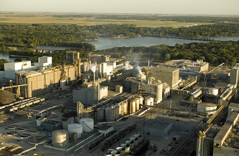 Photo of an industrial scale Bioenergy + Carbon Capture & Storage plant.