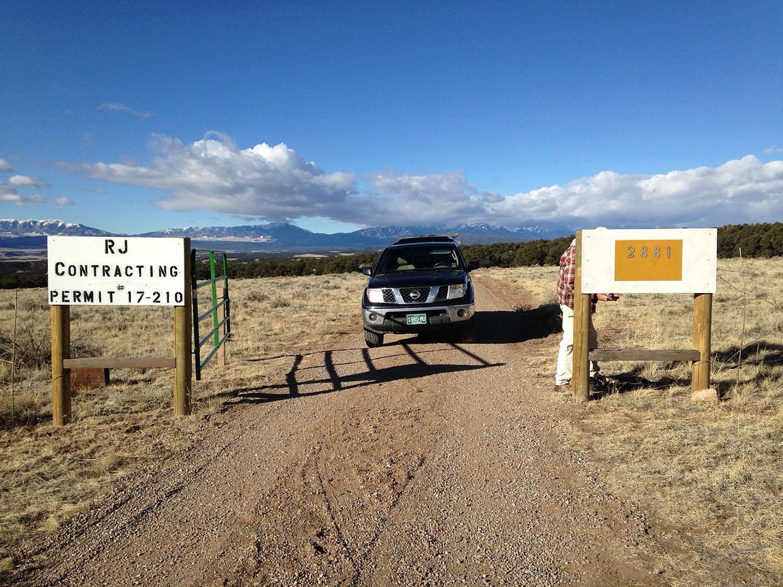 mountain-water-ranch-gate.JPG