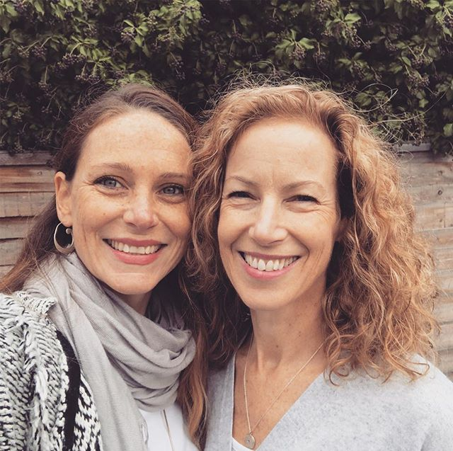Just caught up with the lovely @tadasana.yoga for a beautiful walk. So nice to catch up - can't believe it was 2 year since we were on retreat together! ❤️❤️ #braylock #maidenheadriverside #retreatsisters