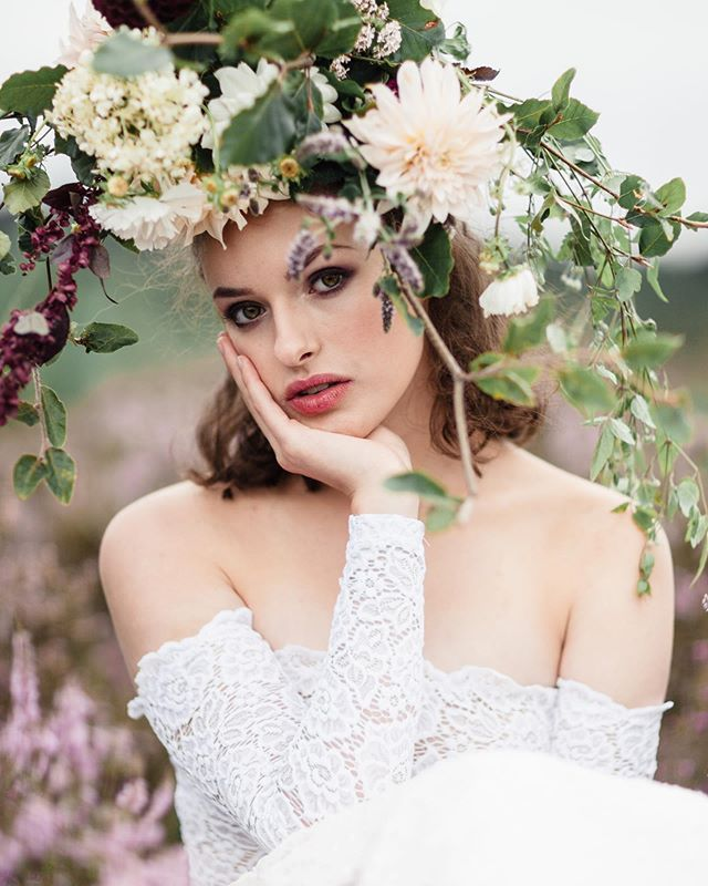 A flashback to this beautiful shoot with our muse @emily_matts | makeup @bluevanillabeauty | hair @treats4hair and @wildrosebridalhair | photo @rebeccasearlephotography | bouquet (yes it's upside down on her head!) by @plantpassion