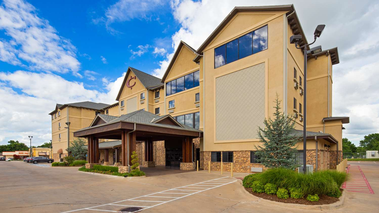 Best Western Plus Cimarron Hotel & Suites    Phone:  (405) 372-2878   Address:  315 N Husband Street Stillwater, Oklahoma 74075   Room blocks, rate and code will be available in mid-October.