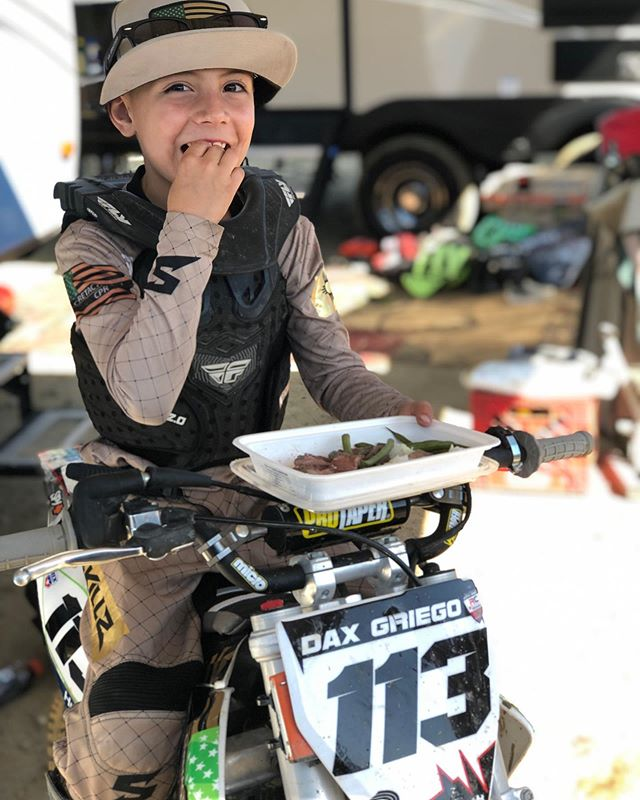 Sponsored Athlete @griegothegreat113 took meals all the way out to California to take on 26 of the best racers in the country!! Keep your eyes open for this guy, he's gonna take the motocross world by storm!! We love supporting awesome local athletes of all ages! #neverfailmps #healthy #convenient #mealprep #eatclean #eattogrow #cleaneating #healthyeating #preplife #foodporn #food #determination #improvement #motivation #ketogenic #healthykids #bikini #npcbikini #motocrosskids #bmxkids #bmx #bmxallday #motocross #motocrossrace #training #athlete #mealprepideas #preppedmeals #fuel