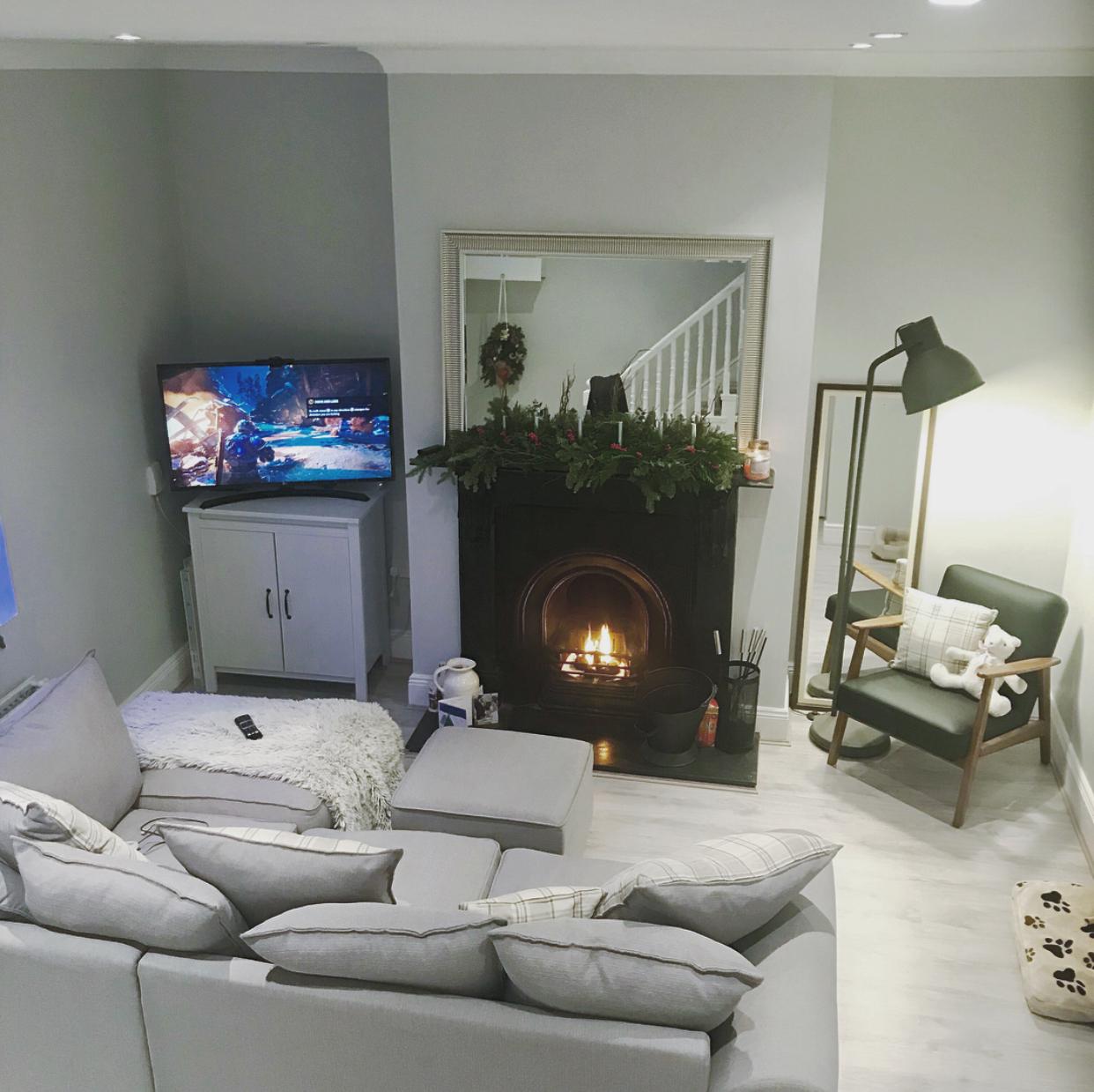 Living room {AFTER}