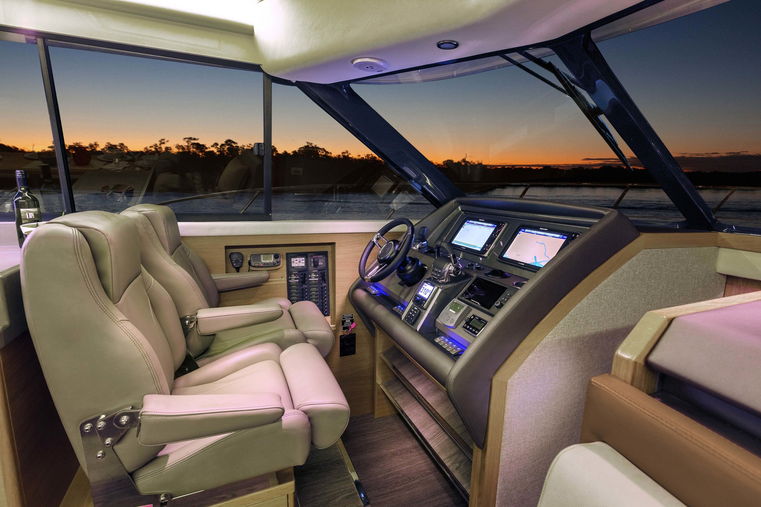 445 SUV interior helm 03-brown.jpg