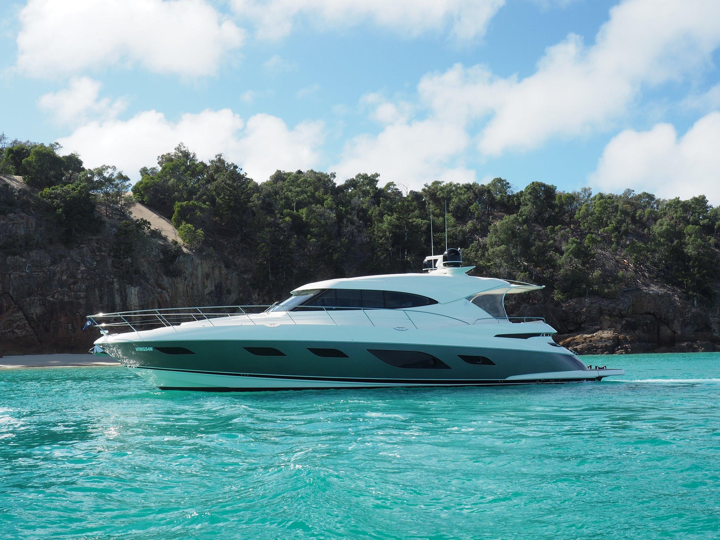 Riviera, 6000 Sport Yacht.