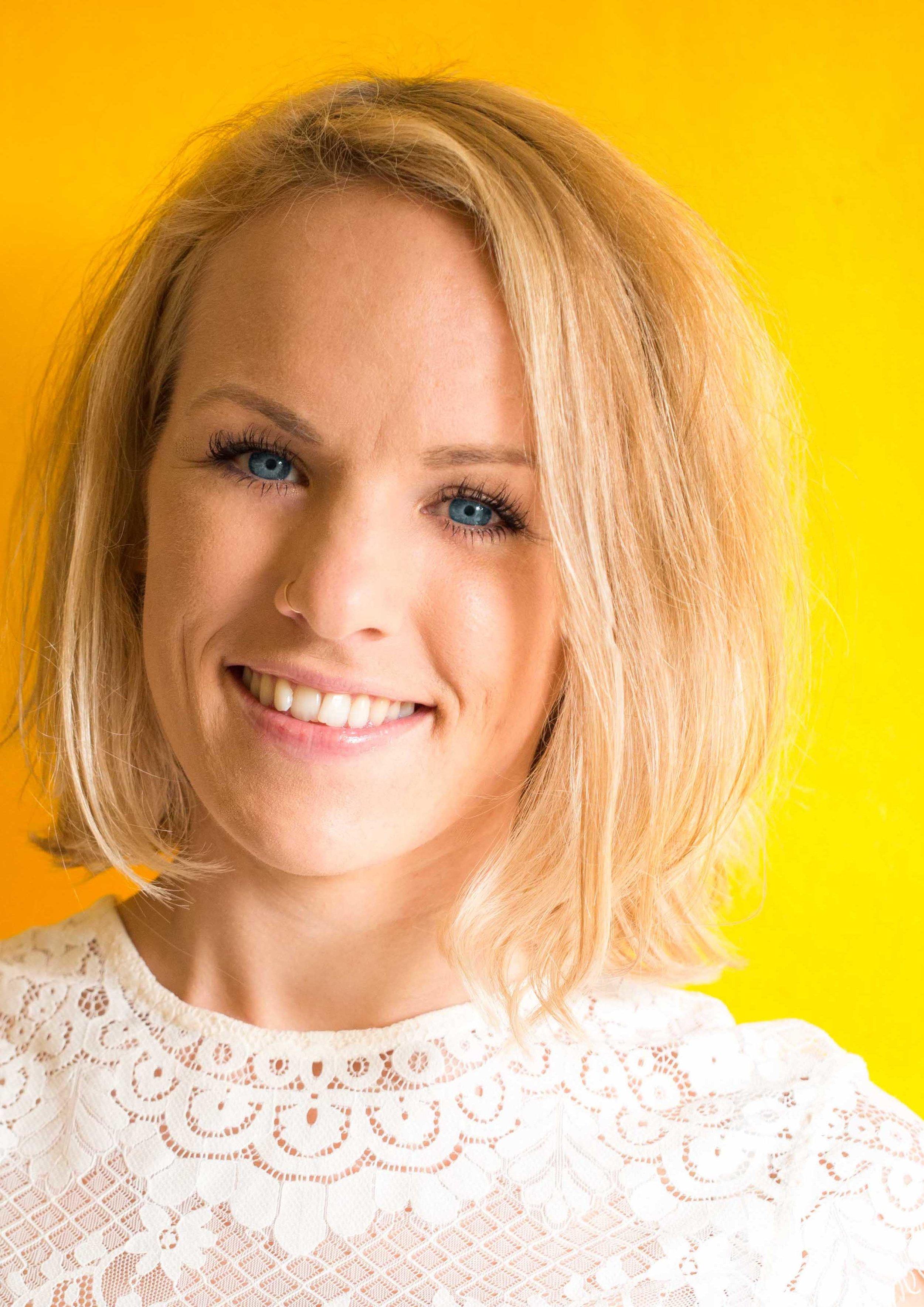 Emily Mowbray - Voice, Piano & Performing Arts | BA (Hons) Music & MMus Vocal studies & performance