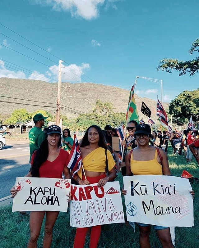 'Onipa'a Kakou ✊🏾 Hawaiians here to stay in Hawai'i ❤️ photo: @mikovossen