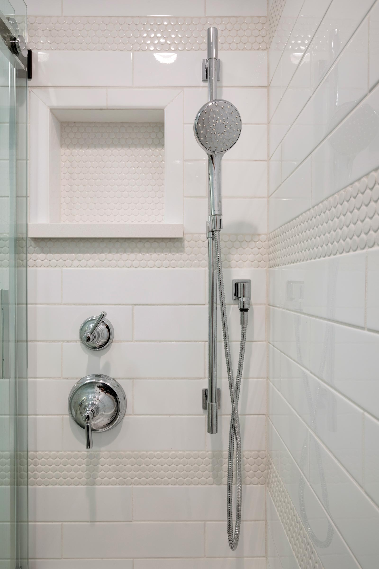 Bath and shower design for teenage girl, white tiling, silver shower head and faucet - Maven Design Studio