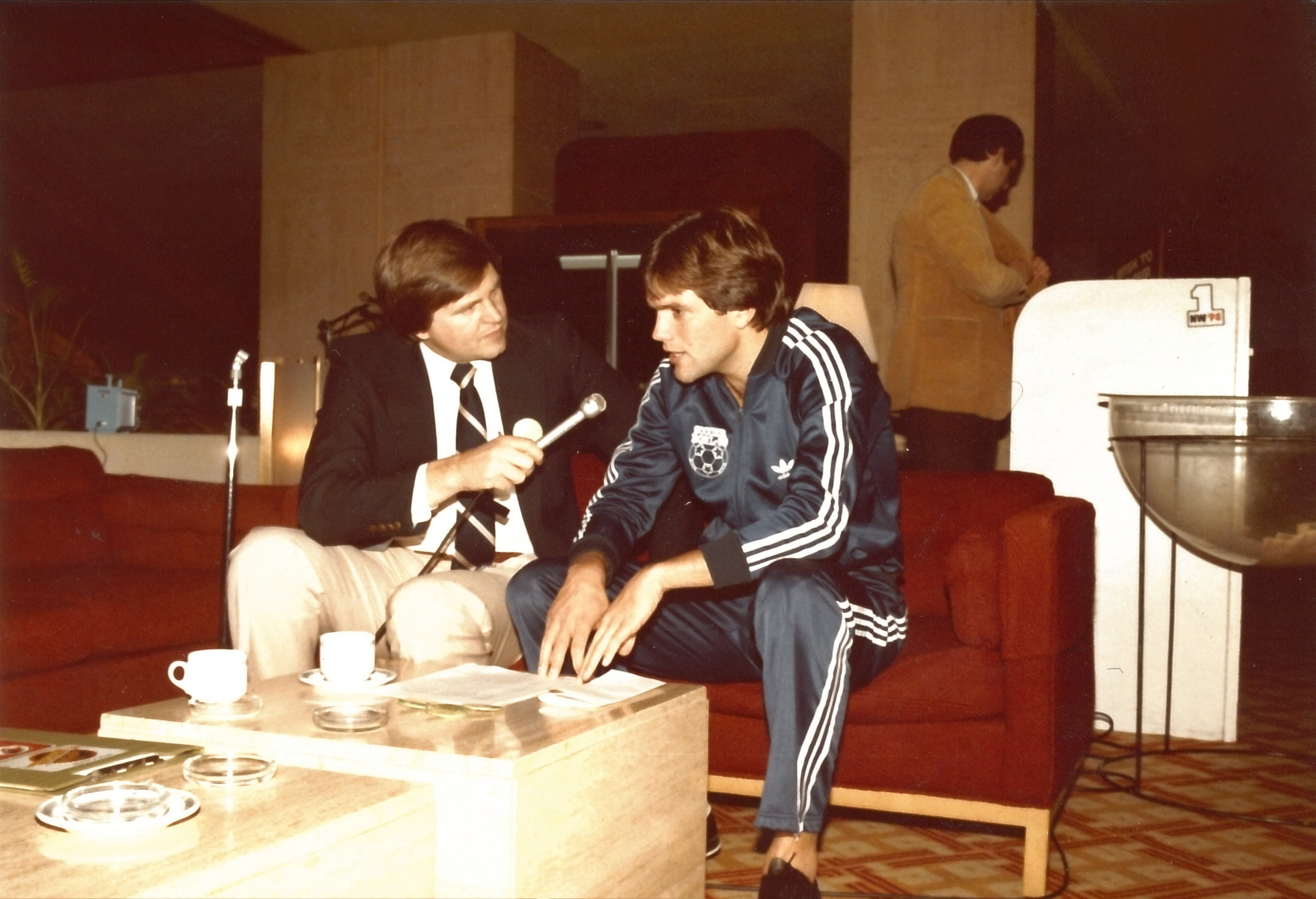 Bobby-Lenarduzzi-Vancouver-Whitecaps-with-Bob-Robertson-Pledge-Day-1980.jpg