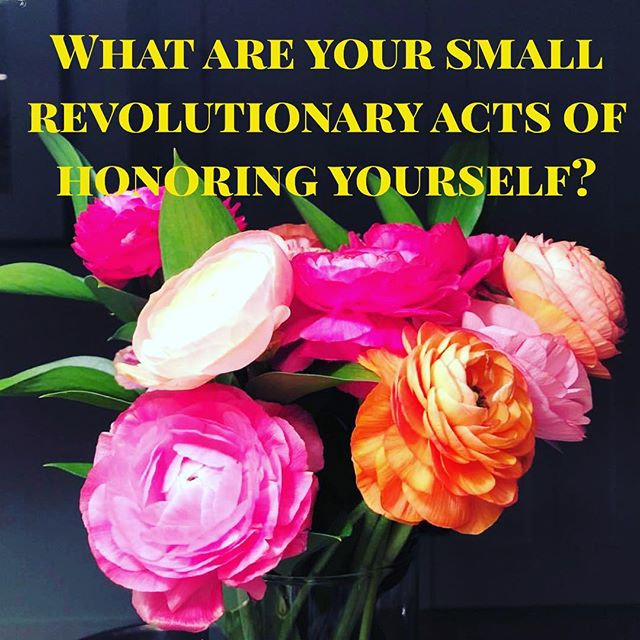 I love small revolutionary acts! These acts help me slow down, breath deeper and live more in my sovereignty. These are moments that give me energy! Like dance breaks, being relaxed and taking my time to put money in my wallet, smelling flowers and enjoying their beauty, doing less and doing tasks that give me energy and partnering with others that can do other tasks at a higher caliber, face masks - what gives you energy? How can you make changes to activities that decrease your energy? #sovereign #highenergy #energyiseverything #dancebreaks #choosehappiness #feminism