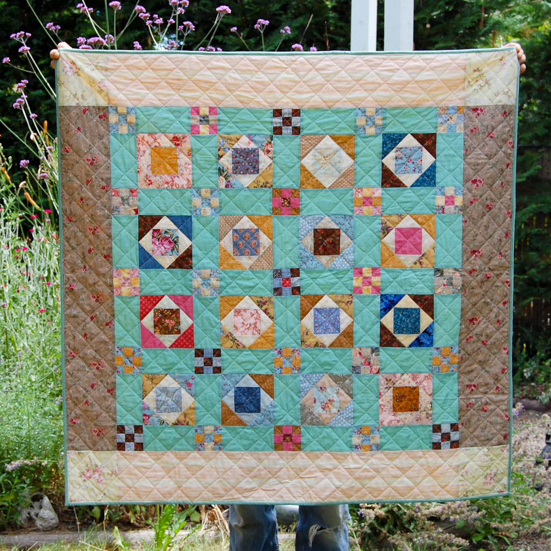Prairie Vine Quilt Finished via www.helloquilting.com
