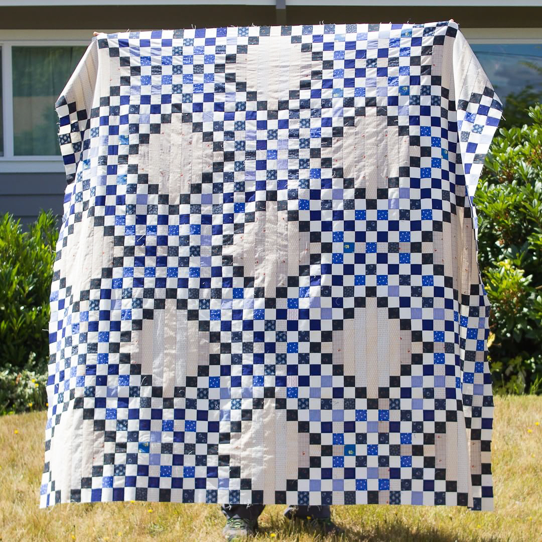 Blue Quintuple Irish Chain Quilt Top Finished via www.helloquilting.com