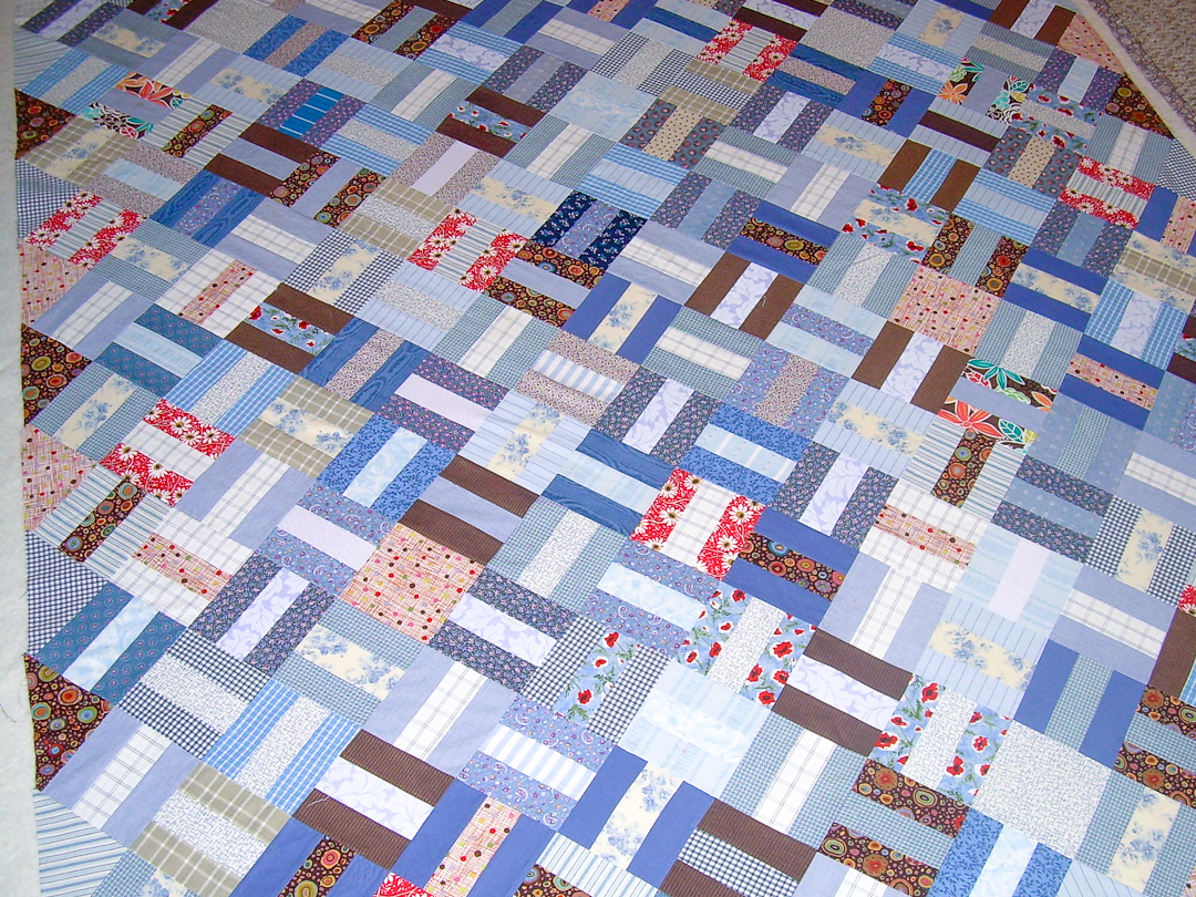 Red & Blue Post-and-Rail Fence Quilt Pinned via www.helloquilting.com