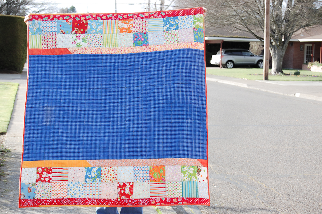 Camp Quilt in Blue & Red Finished via www.helloquilting.com