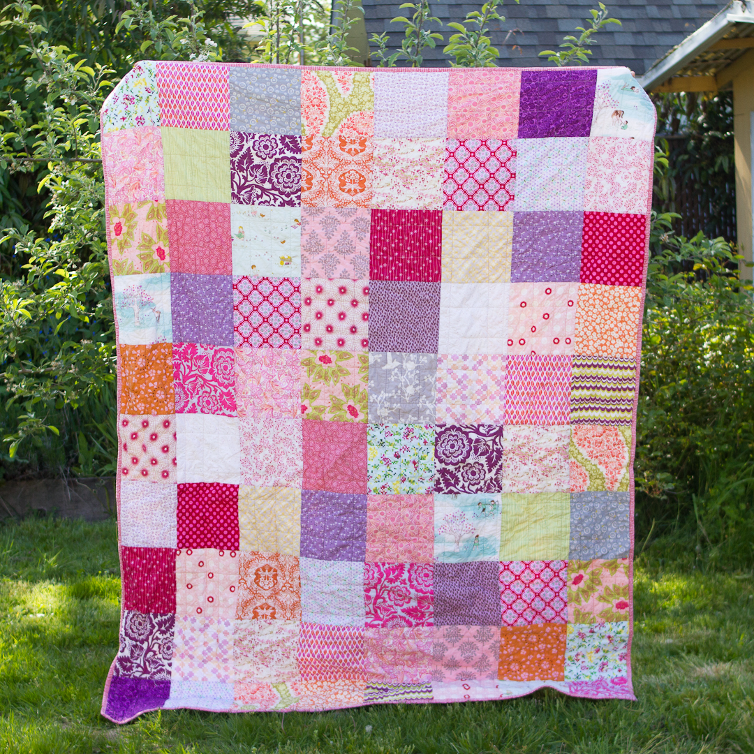 Pink Sister Squares Quilt Finished via www.helloquilting..com