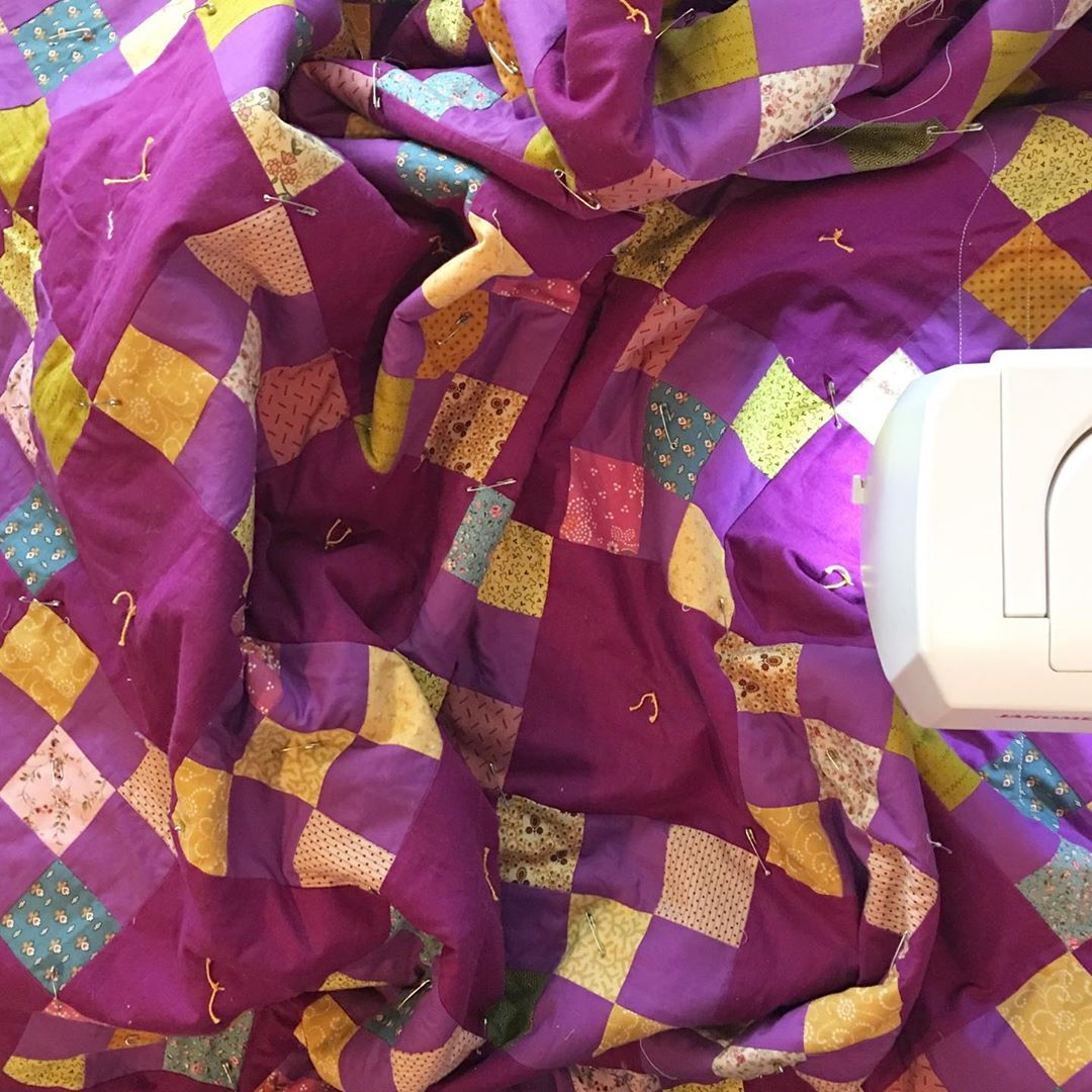 Quilting the Purple Irish Chain via www.helloquilting.com