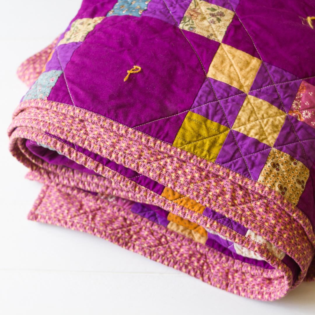 Purple Irish Chain Quilt via www.helloquilting.com