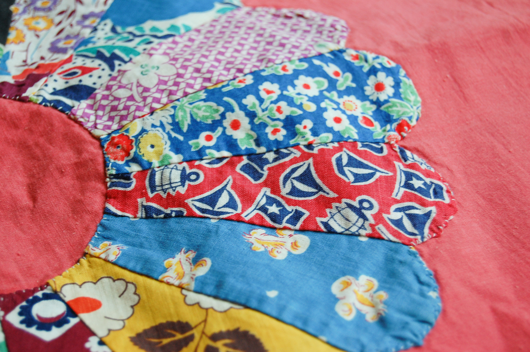 Antique Unfinished Coral Dresden Plate Blocks via www.helloquilting.com