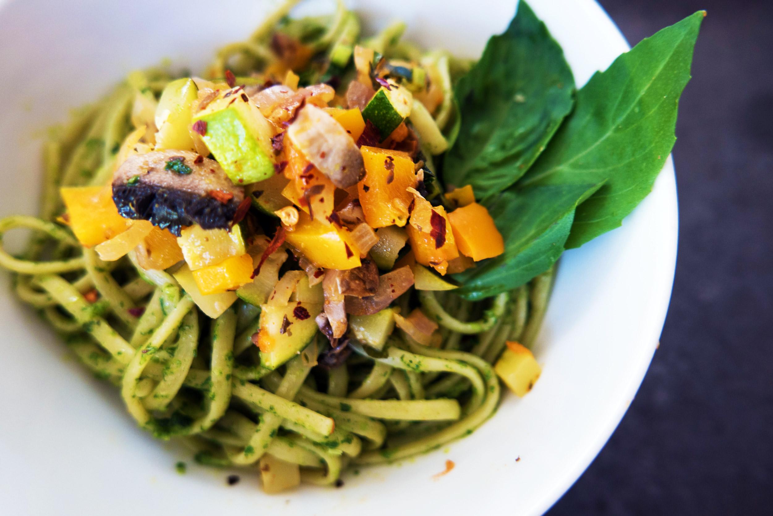 Thursday - Toast + Hummus | Quinoa, Squash, Kale + Avo | Pesto Pasta + Veggies