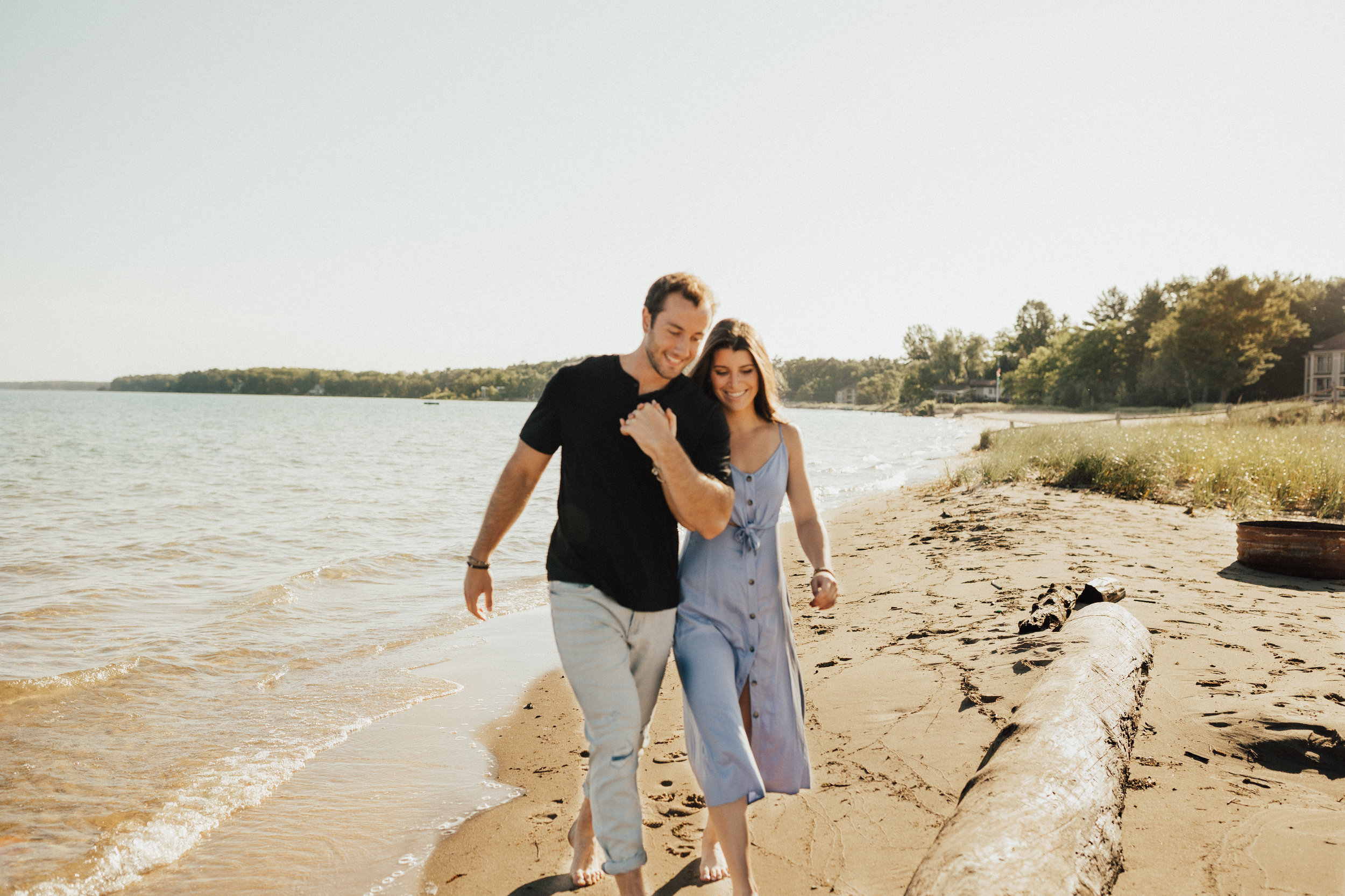 Lake_Michigan_Couples_Session-9.jpg