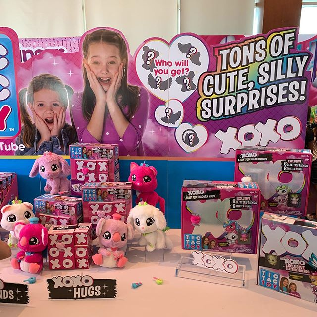 @tictactoyfamily introducing their new toy line XOXO Friends & XOXO Hugs!!!! #sweetsuite19 #toymakers #XOXO #XOXOFriends #XOXOHugs #collectibles #newtoys #tictactoy #tictactoyfamily #kidyoutuber #melodystreasurebox @thetoyinsider