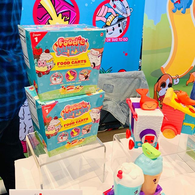 So many cute new toys! Loving @foodiesurprise @luvipups, @lilblizzardfriends Cool Cats @sunnydaysent, Baby Shark Fingerlings @wowwee, Tiny Tukkins @bhteddybear, @funrisetoys Rainbow Butterfly Unicorn Kitty 🦄, and Awesome Bloss'ems @spinmaster! Swipe for more pics! #sweetsuite19 #sweetsuite #newtoys2019 #thetoyinsider #newtoys #toycommunity #collectibles #instatoys #foodiesurprise #luvipups #coolcats #lilblizzardfriends #rbuk #toys #plush #fingerlingsbabyshark #tinytukkins #awesomeblossems