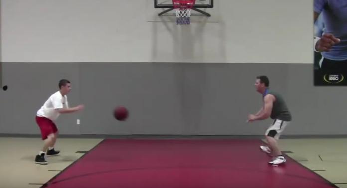 bounce-pass-while-sliding.png