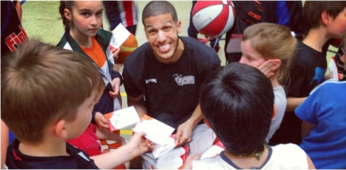 Jefferson signing autographs in Germany
