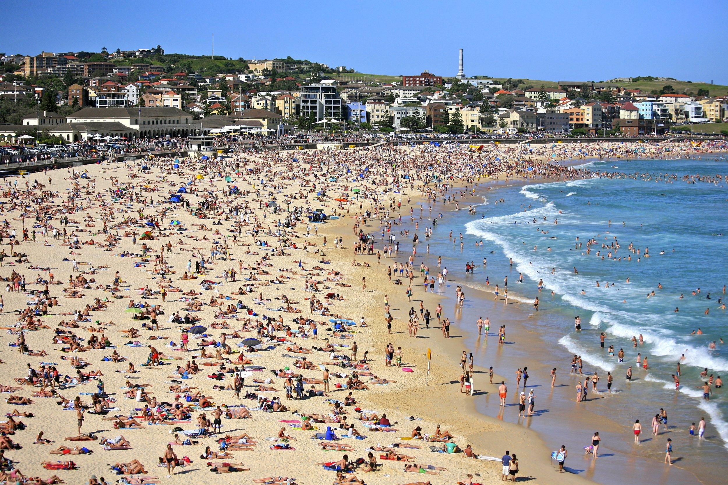 The_Famous_Bondi_Beach_(6644010871).jpg