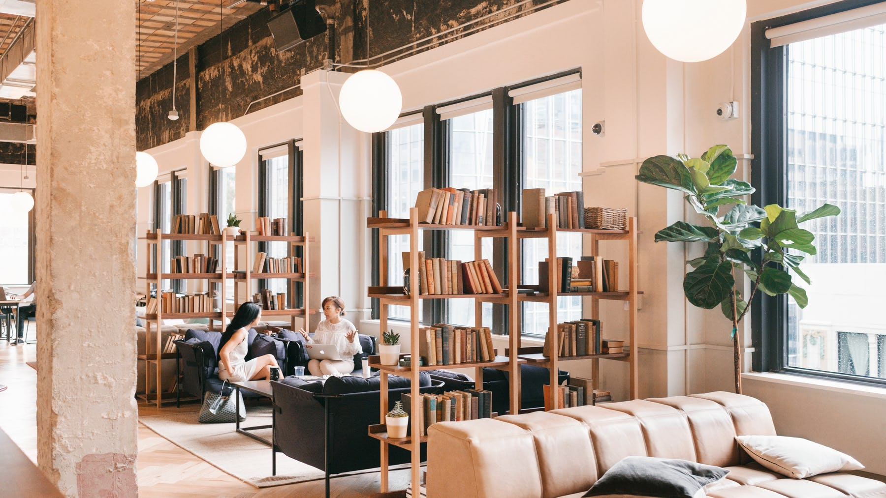 20180912_WeWork_708_Main_Street_-_Common_Areas_-_Couch_Area-4.jpg