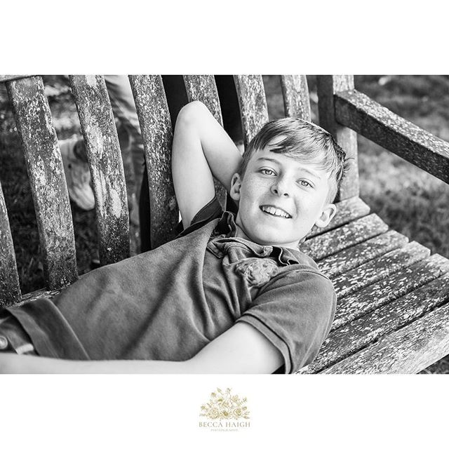 I love this image. Largely because of the spontaneity of it. I'd asked the four siblings to come over to the bench so we could get a shot of them all together. This gorgeous biggest brother leaped onto the bench and gave me this most gorgeous natural smile. Ta da! 💙 #beccahaighphotography