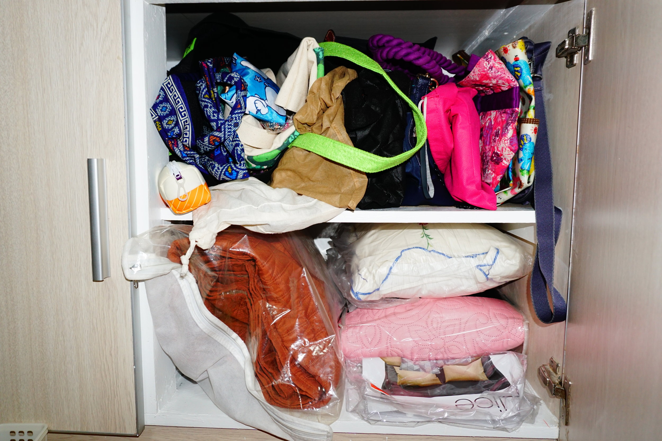 BEFORE :My poor bags used to be cramped in a tiny shelf of a cabinet