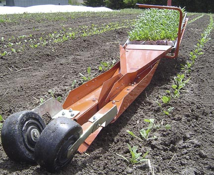 Paper pot transplanter spinach 2.jpg