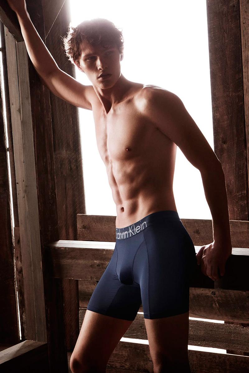 Calvin-Klein-Underwear-SS18-Campaign_fy3.jpg