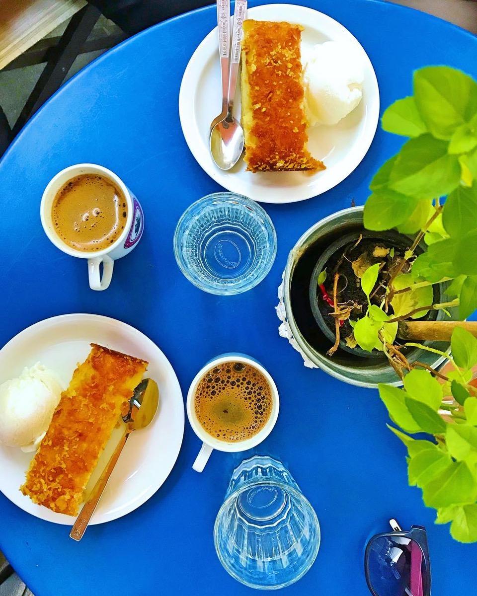 ''Apomero'' cafe