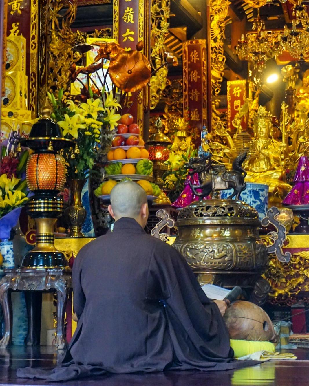 Hanoi_Monk_1.jpg