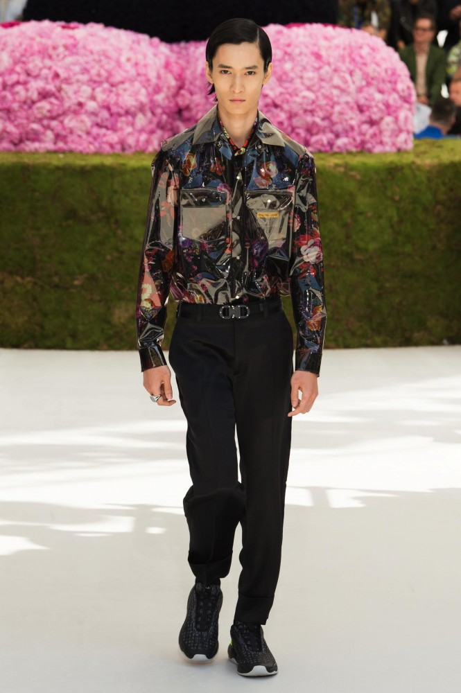 DIOR-MEN-SS19-HERO-44-665x1000.jpg
