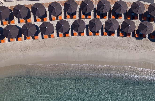 1santa_marina_mykonos_aerial_view_private_beach__2__jpg_3999_north_660x_white.jpg